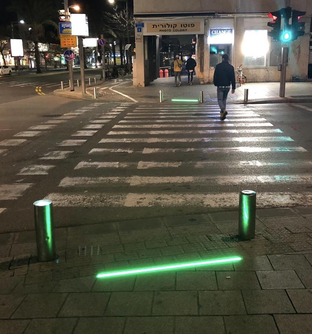 Сетодиодные полосы в Тель-Авиве. Фото предоставлено пресс-службой муниципалитета.