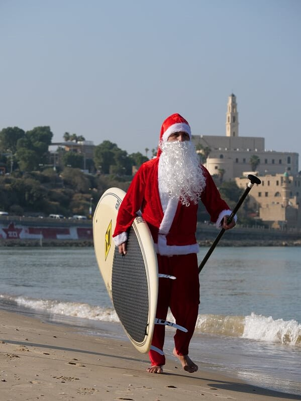 Санта-Клаус: предоставлено пресс-службой муниципалитета Тель-Авива. фото: Таль Альмог
