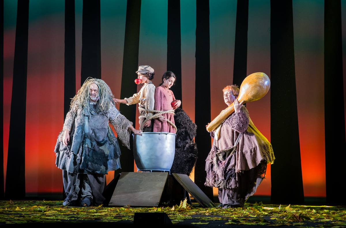 Синема Гешер: сцена из спектакля «Дух театра»: фото Виктории Шуб предоставлено пресс-службой театра