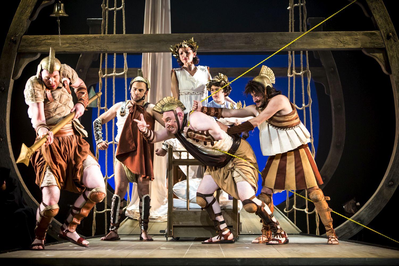 Синема Гешер: сцена из спектакля «Странствия Одиссея»: фото Виктории Шуб предоставлено пресс-службой театра