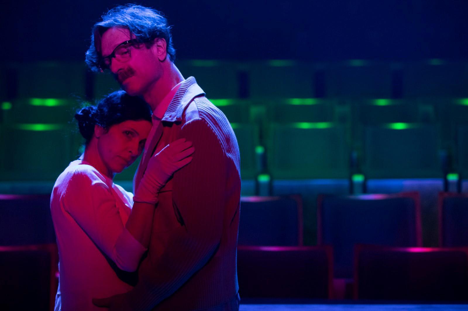 «Гешер» 30 лет. Сцена из спектакля «Невеста и ловец бабочек». Фото: Даниэль Каминский